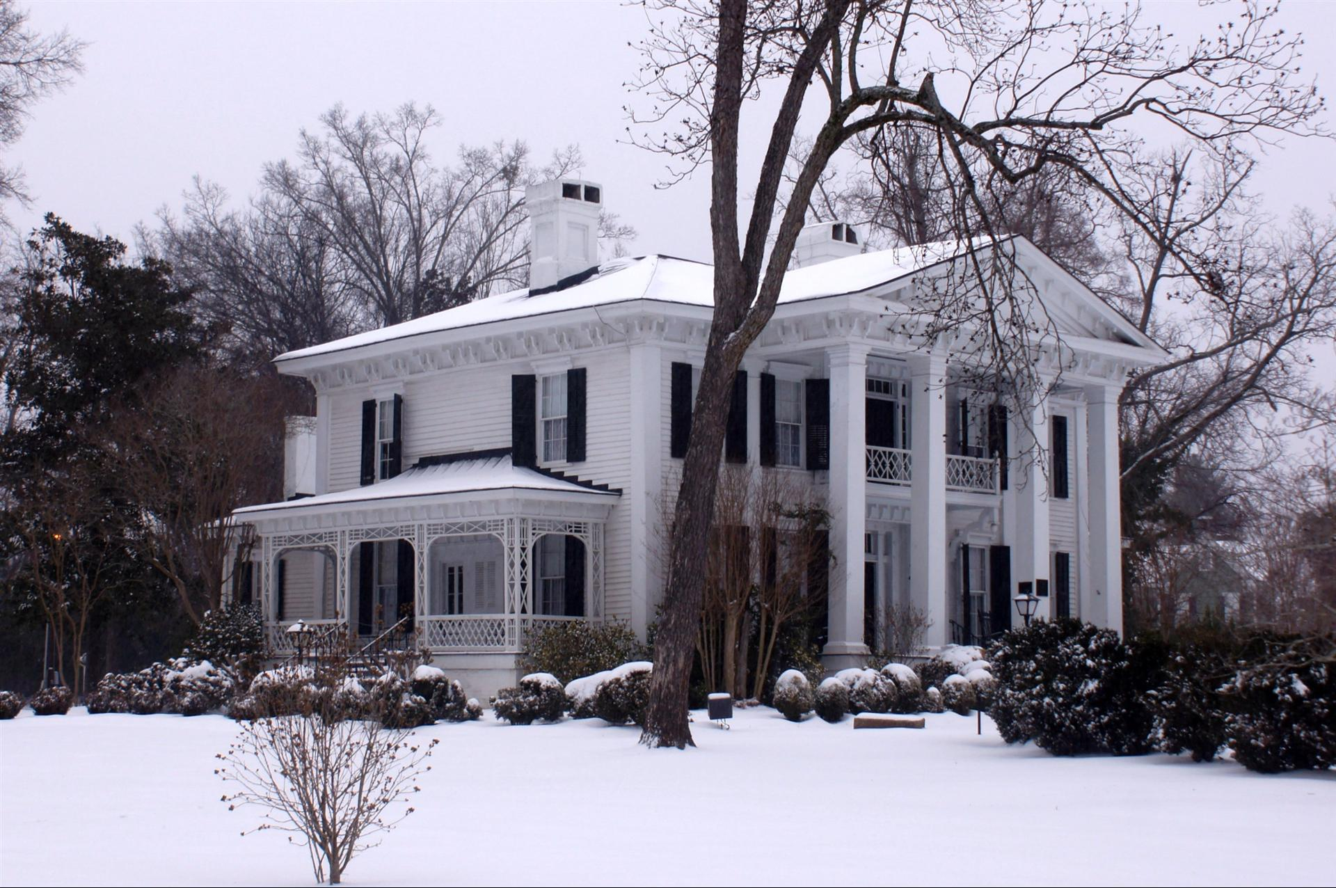 Burk Stark Mansion in winter